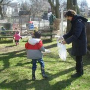 Earth Day: Picking up trash around our centre